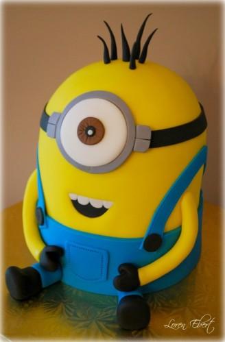 Despicable-Me-Minion-Cake-673x1024